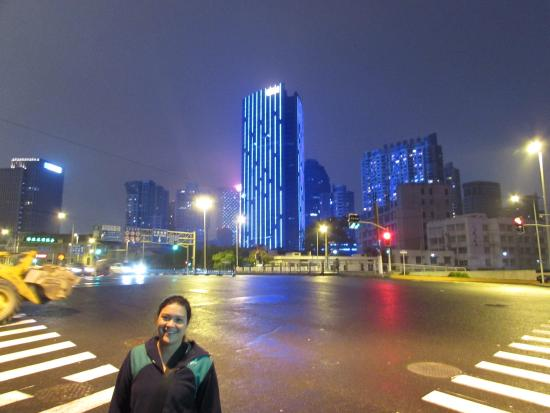 Shanghai Soho Bund International Youth Hostel: Shangai de noche