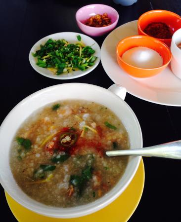 The Nidhra Boutique Resort: Yumi ! Fish and Rice soup ��