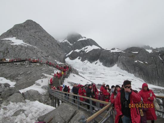 Yulong (Jade Dragon) Mountain: The climb up the 4506 peak