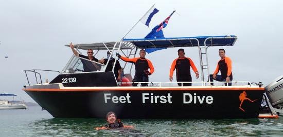 Feet First Dive: MV Siren Boat Crew at your service
