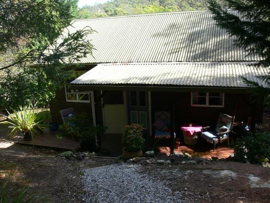 Horse-Haven Farmstay: Cottage