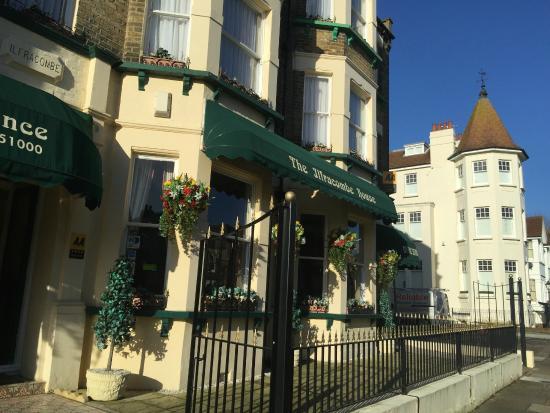 Ilfracombe House Hotel: Outside