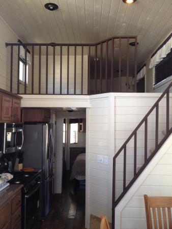 Wine Country RV Resort: Kitchen and loft