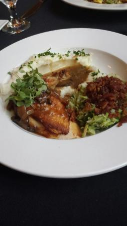 V Restaurant & Bar: Pan fried chicken marsala. Delicious.