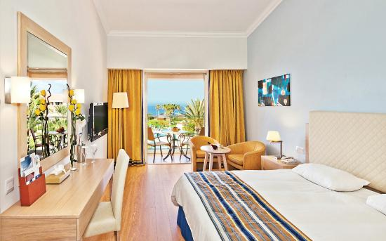 Olympic Lagoon Resort Paphos: Deluxe Standard Room