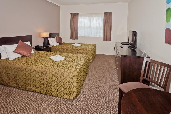 Redcliffe Motor Inn: Twin Room