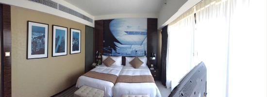 Harbour Grand Hong Kong: Sypialnia/Apartament typu Twin Premier Suite z widokiem na port (94m2)