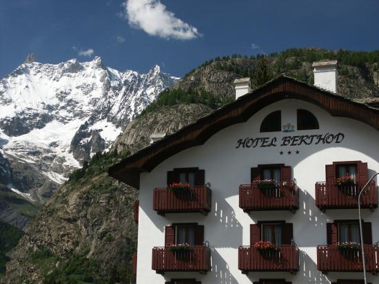 Hotel de la telecabine courmayeur prezzi e recensioni for Meuble berthod courmayeur