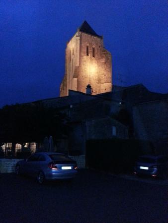 Hostellerie de l'Abbaye : vue sur l'abbaye de nuit