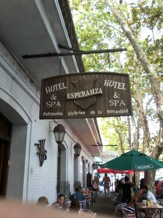 Hotel Esperanza & Artemisa Spa: Entrada al hotel