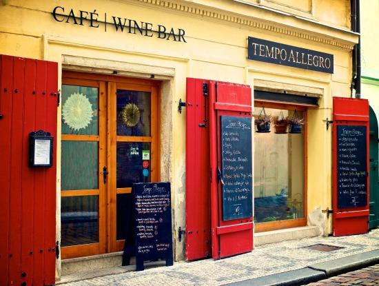 Tempo Allegro: Front door