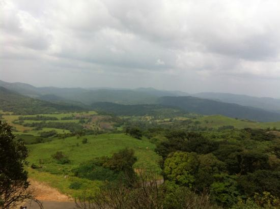 Madikeri, Hindistan: View from Kotebetta