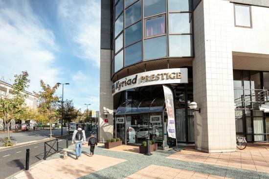 Kyriad Prestige Clermont Ferrand : Facade