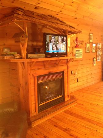 Cavender Creek Cabins Resort: Cabin 5,6,7 & 9 New Flat Screen TVs  :-)))!