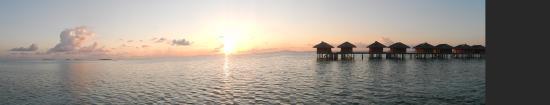 Medhufushi Island: sunset