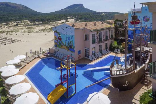 Viva Cala Mesquida Resort & Spa: Pirate Boat & Splash