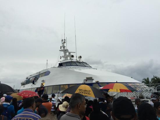 Sri Lanka Navy Whale Watching: Big boat!
