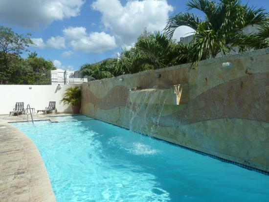 Hotel Melia Ponce: Swimming pool