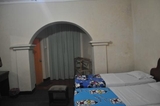 Sriya Paya Villa: Triple Room