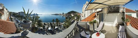 Riva Luxury Suites: Luxury Suite view from Terrace
