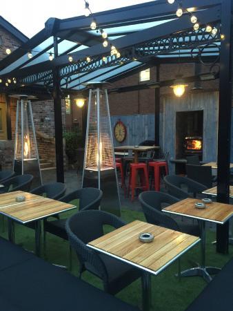The Wilmslow Lodge: Beer Garden
