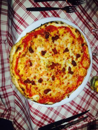 Ristorante La Tavernetta: Pizza margherita con aggiunta di n'duja