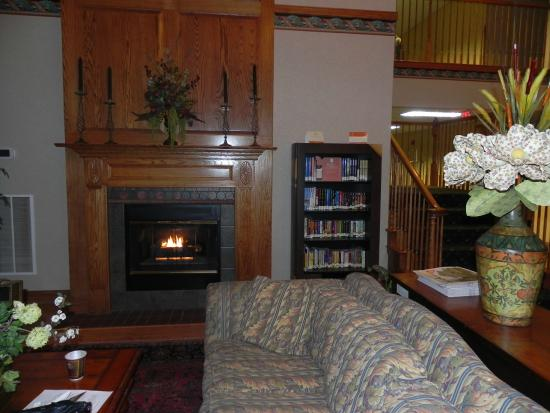 Country Inn & Suites By Carlson, Lancaster (Amish Country): Nice sitting area in the lobby