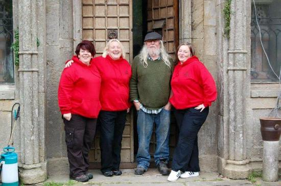 Leap Castle: Some of the team with Sean Ryan