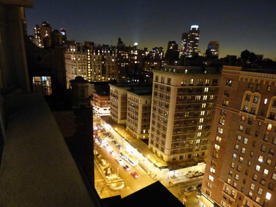 View from balcony at night looking west foto di nylo new for New york balcony view