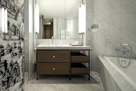 David Citadel Hotel: Bathroom