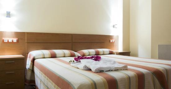Apartamentos Cean Bermudez : Dormitorio apartamento 2/4