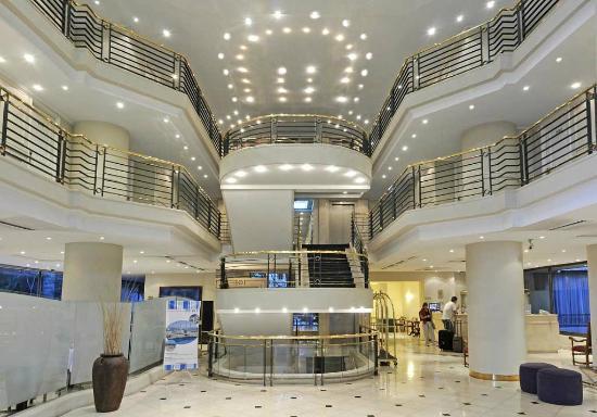 Hotel Neruda: Lobby