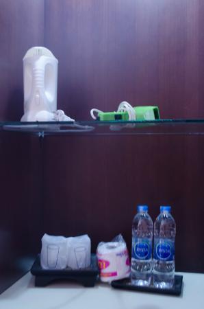 Ao Nang Cozy Place: servicios: secador de pelo, cafetra, agua mineral, etc