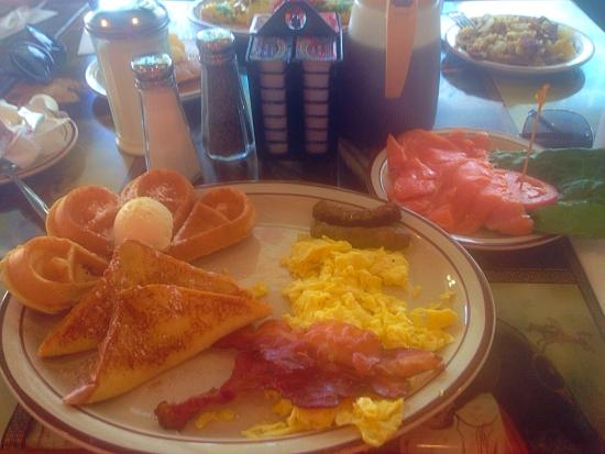 Pocahontas Pancake & Waffle  House: This place is awesome!!! The breakfast is so good and the service is great! The smoked salmon is