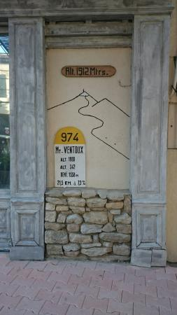 Le Ventoux restaurant Malaucene France: Le Mont Ventoux restaurant Malaucene France
