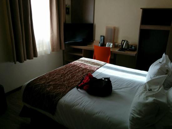 Hotel Carre Vieux Port Marseille : Chambre