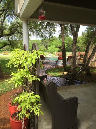 The Homestead on FoxRidge: Surrounding grounds
