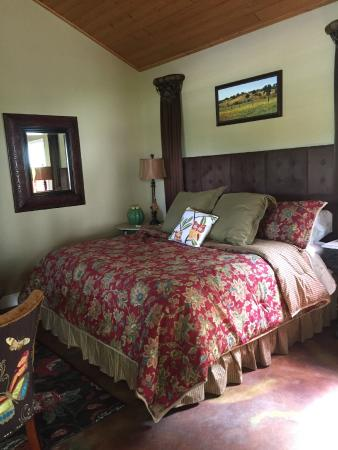 The Homestead on FoxRidge: Comfortable bedding