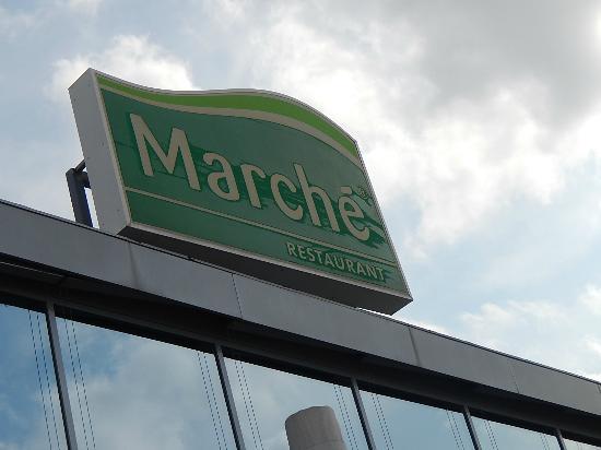 Marché Mosonmagyaróvár North: fachada