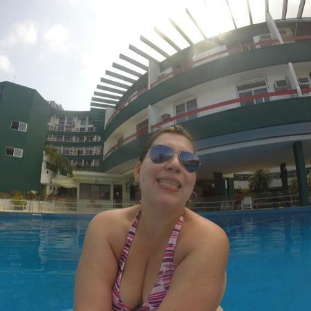 Angra Inn: Piscina do condomínio