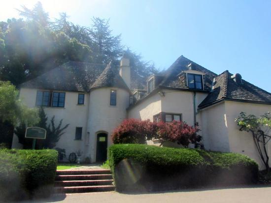 Dunsmuir House