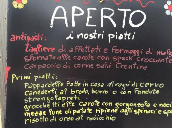 Agritur Malga Mortigola: Antipasti e primi piatti ! Fabio Cremona (il presidente )