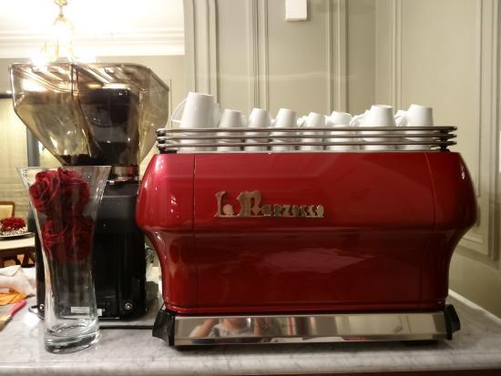 Mejor cafe en mendoza la buena vida for Silla 14 cafe resto mendoza mendoza