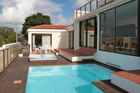 Atlantic Guest House: Suite Peace, pool and jacuzzi.