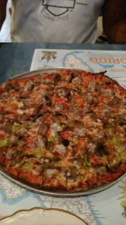 The Jolly Roger On The Beach : sausage, mushroom and pepperoncini!!