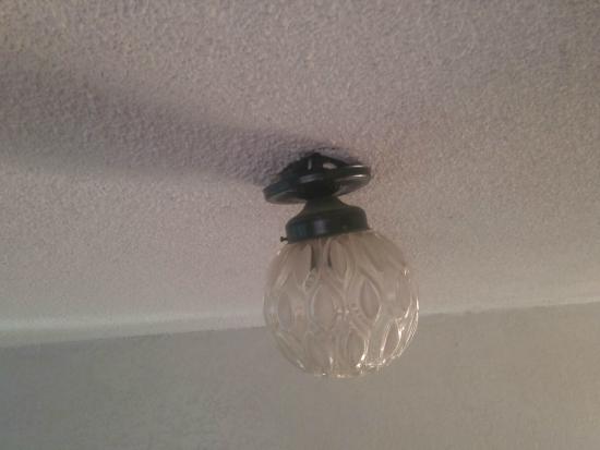 Hotel Colonial: Candelabros y lámparas hermosos