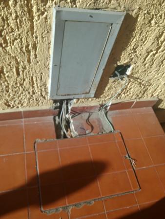 Hotel Colonial: Y esos cables??