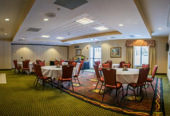 Hilton Garden Inn Elkhart UPDATED 2017 Hotel Reviews Price