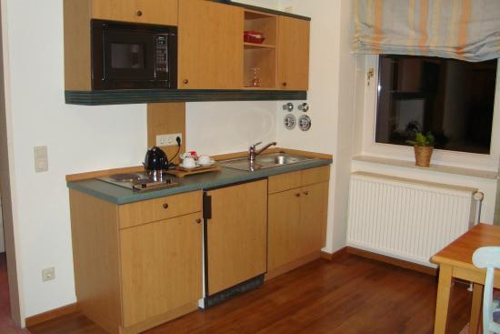 Arcadia Hotel Dusseldorf: Kitchen