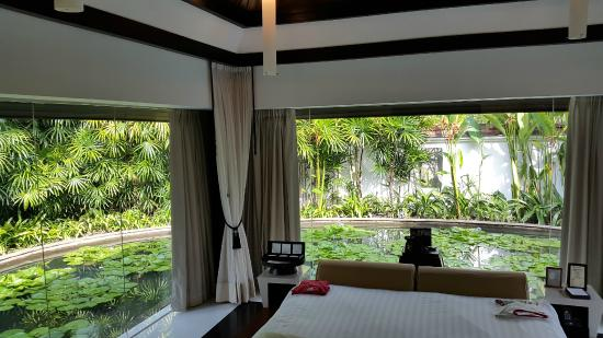 Banyan Tree Phuket: spa villa - floating bedroom :-)